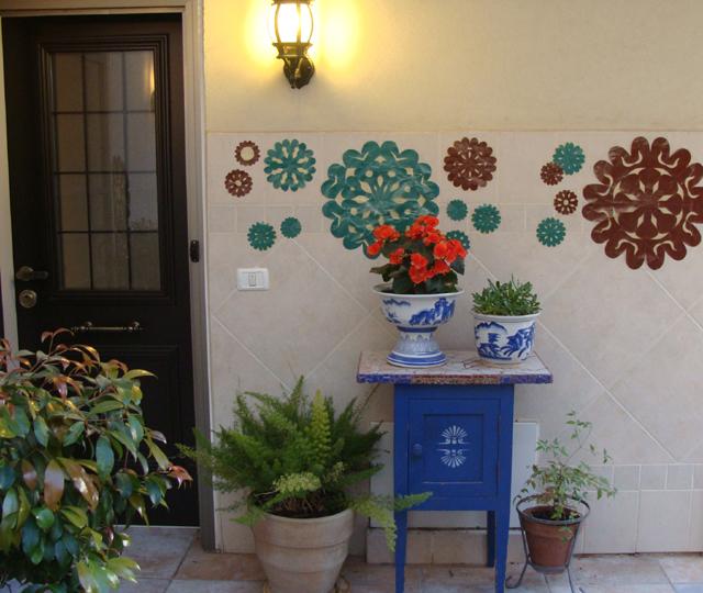 Paper Flowers Courtyard-Blog