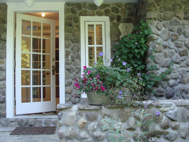 Rose House Entry Outside
