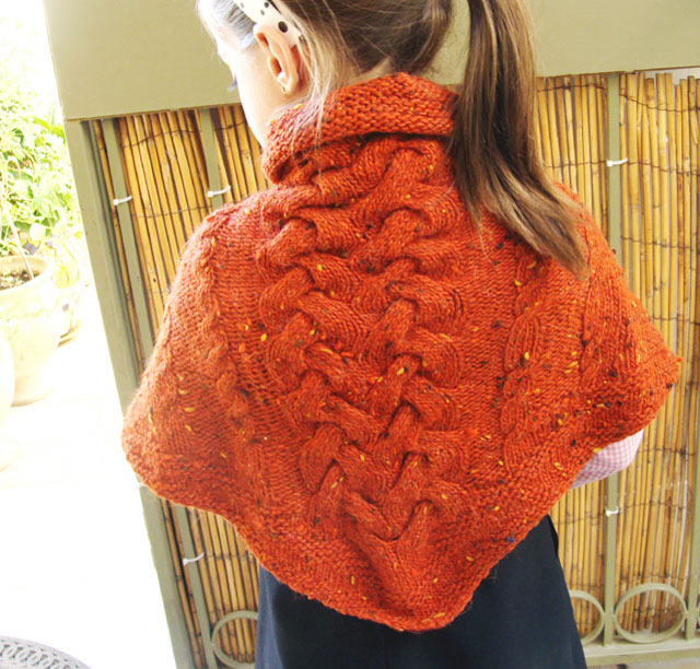 Knitted-Triangular-Cabled-