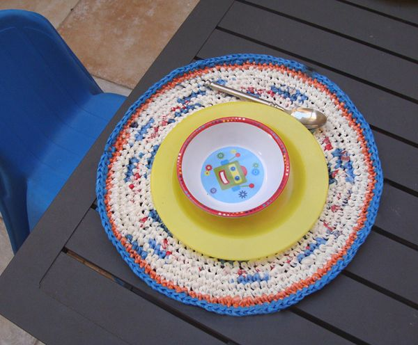 Crochet Fun Placemats Using Yarn Made From Plastic Bags