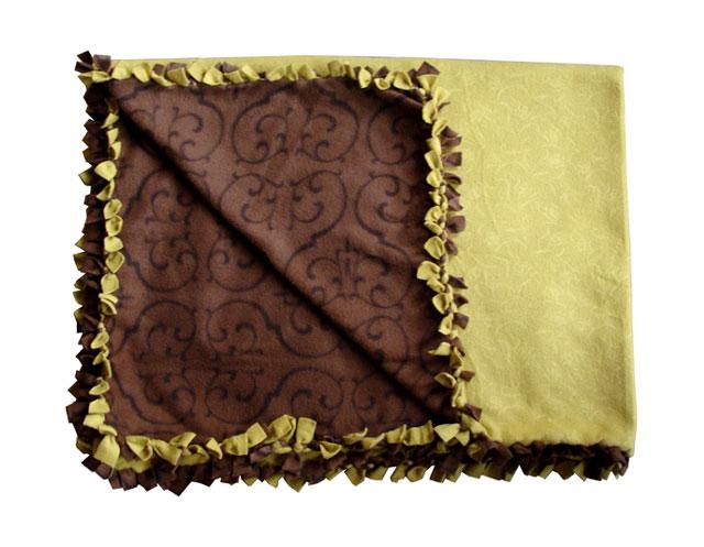 No-Sew Fleece: Cozy Ruffled Blanket! - creative jewish mom
