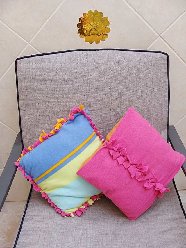 No Sew Fleece Pillows 2 ways