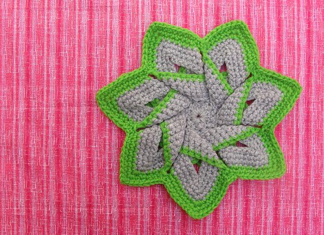 Crocheted Flower Potholder Green