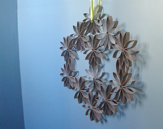 Recycled Toilet Paper Roll Wreath! - creative jewish mom