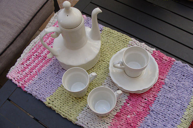Knitting With Sheets Table Runner2