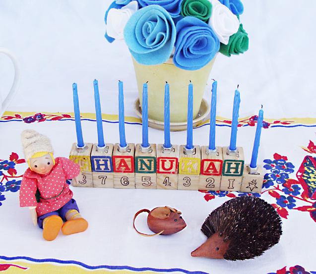 Hanukkah DIY Blocks Menorah