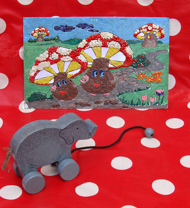 Modeling Clay Picture Mushrooms