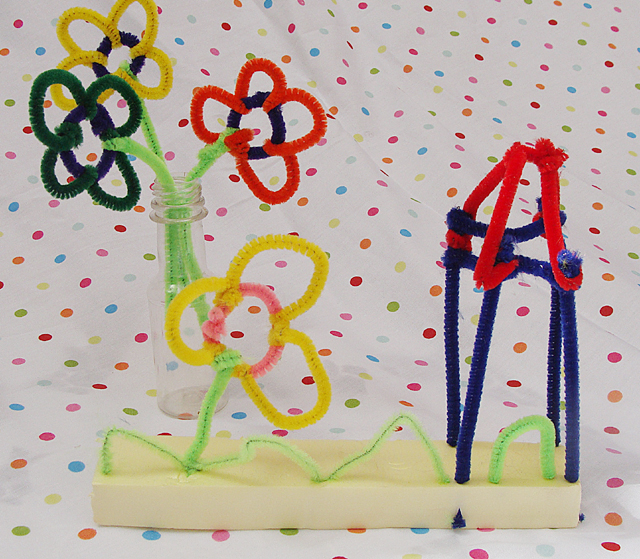 Pipe cleaner sculpture
