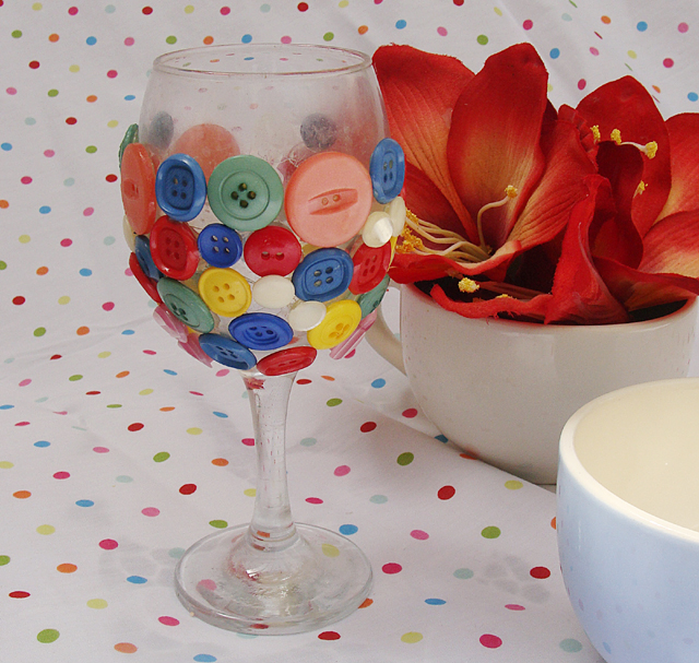 Button Birthday Wine Glass