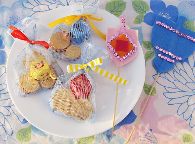 Hanukkah Gelt Bags With Felt Cake Toppers