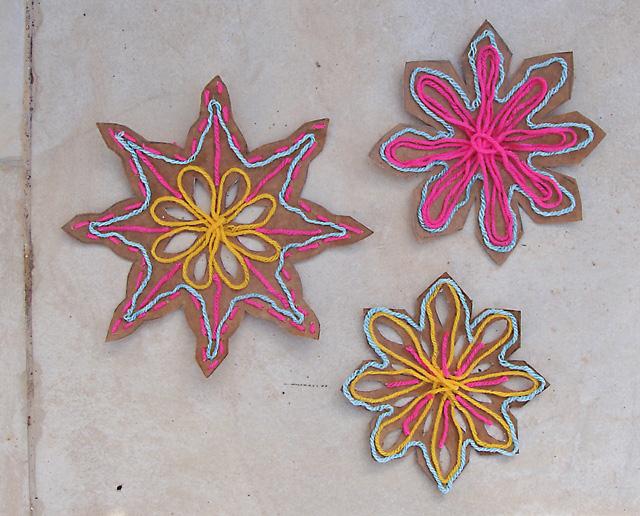 Kid's Snowflake Craft from Cardboard +yarn