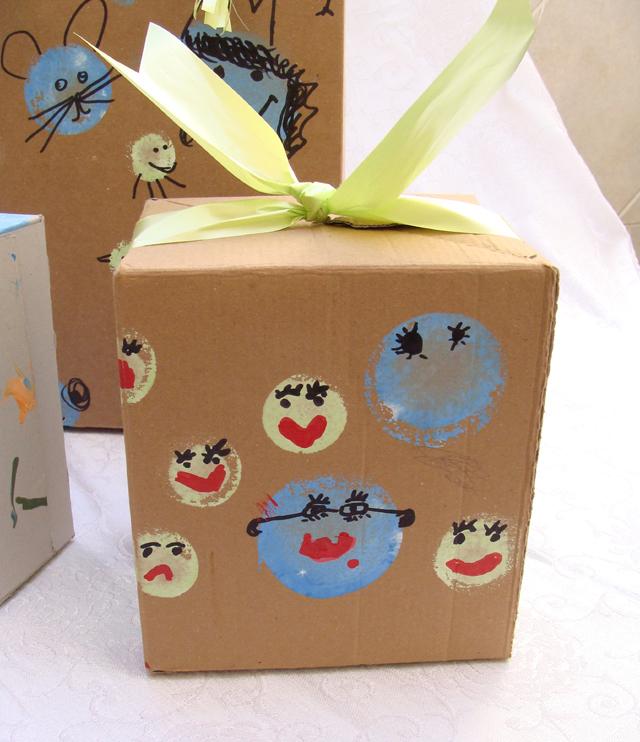Purim-Circle printed faces box & creative jewish mom: Recycled Cardboard Box Craft Aboutintivar.Com