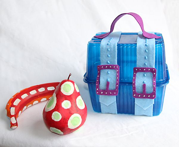 A Treasure Chest Gift Box From Recycled Plastic Containers