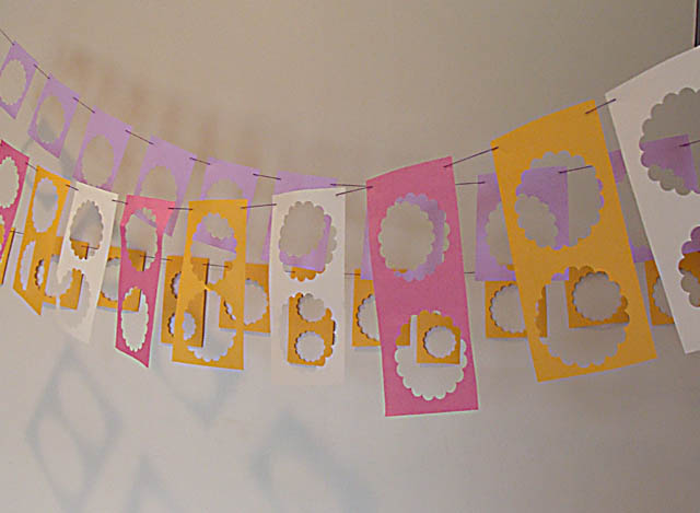 Scalloped Circle Leftovers Bunting Banner
