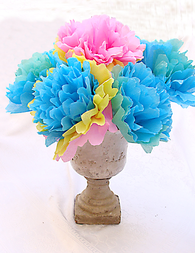Make a festive spring bouquet with crepe paper flowers creative tissue paper flower spring bouquet mightylinksfo