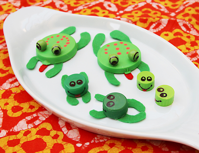 Bottle cap frogs,recycled lid frogs