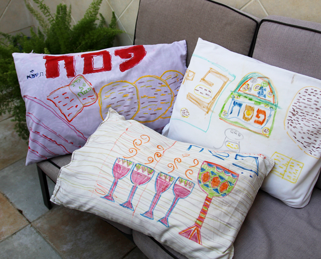 Passover Kid's Craft-Pillows For The Seder