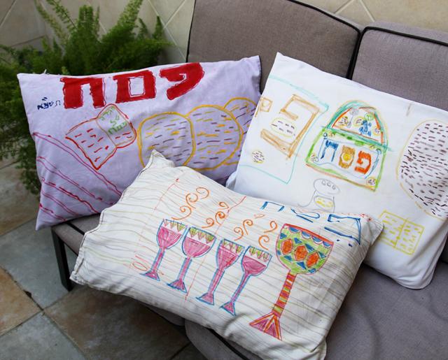 Passover Kid\u0027s Craft-Pillows For The Seder & Passover Kid\u0027s Craft: Decorate Pillowcases For The Seder ... pillowsntoast.com