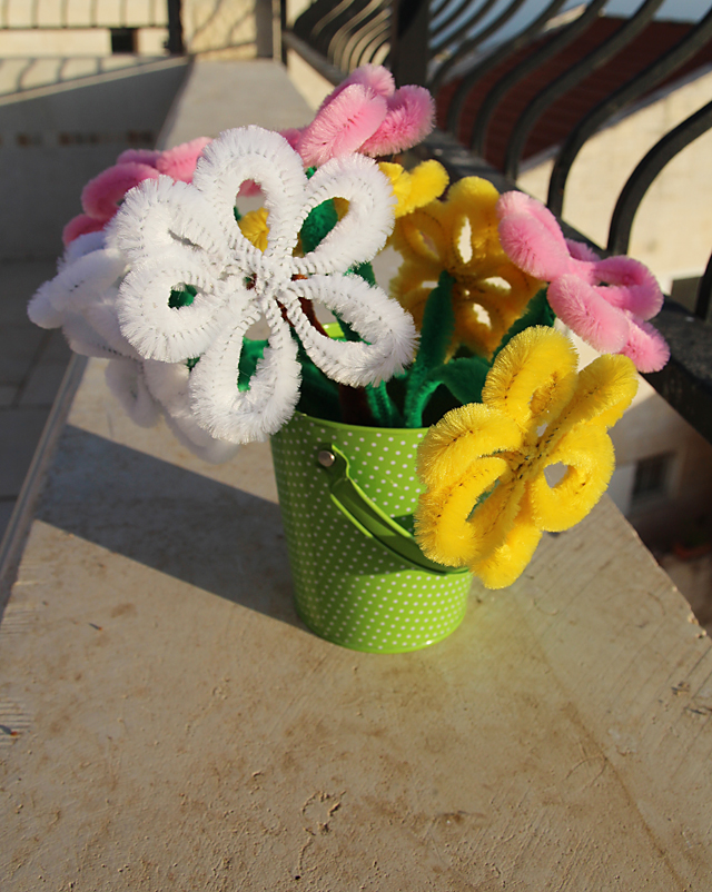 Pipe Cleaner Flower Bouquet