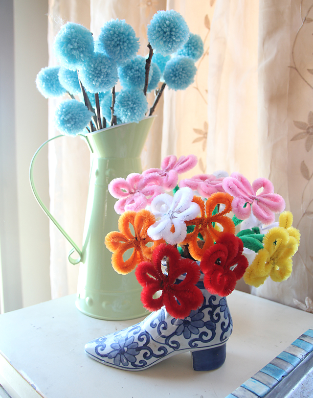 Pipe Cleaner Flower Bouquet With Pom Poms