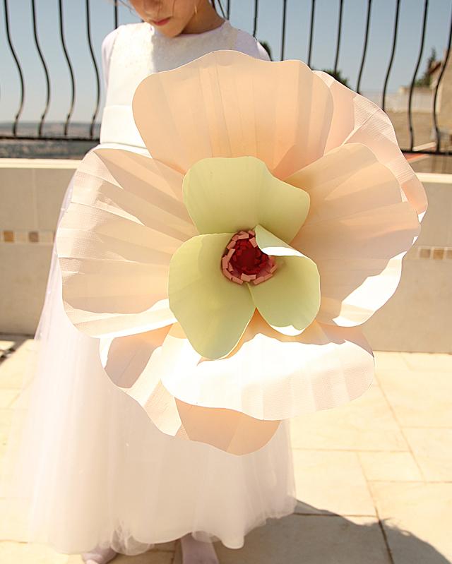 Giant paper flowers sneak peek creative jewish mom paper poppies giant mightylinksfo