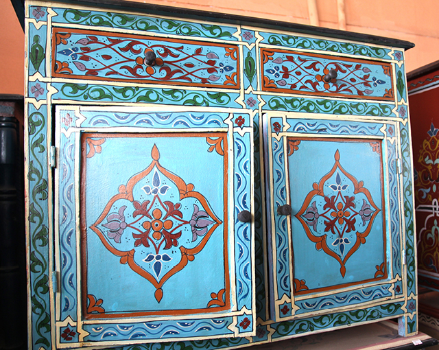 Moroccan painted cabinets 2