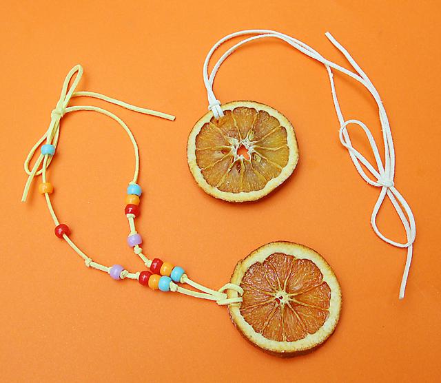 Dried orange slice necklaces for tu B'shevat