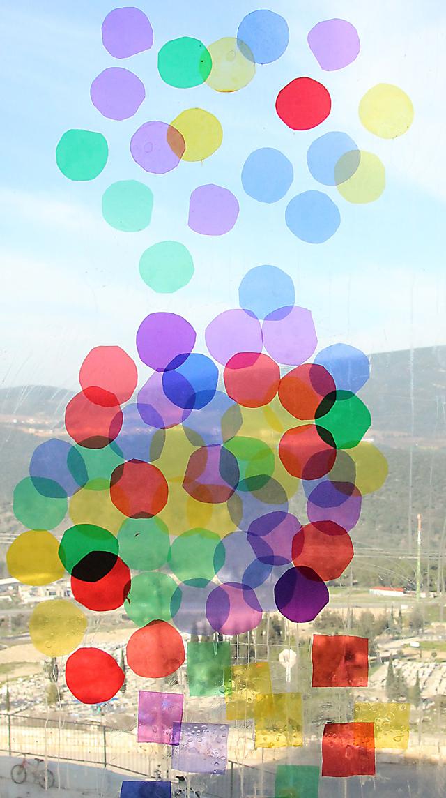 Celophane window art circles