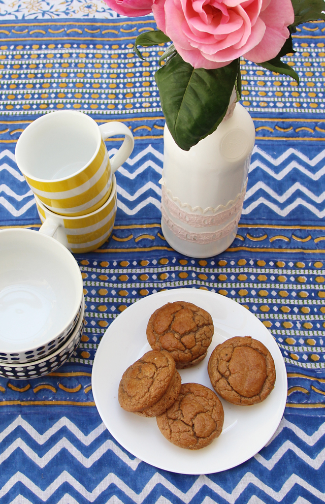 Yeast Free Spelt Rolls On Table