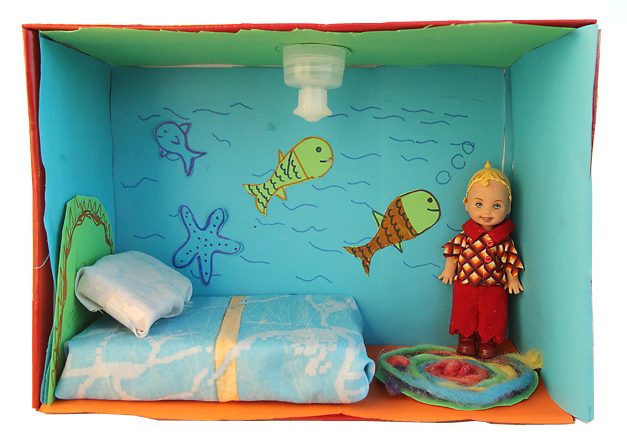 Shoebox Dollhouse Boy's room
