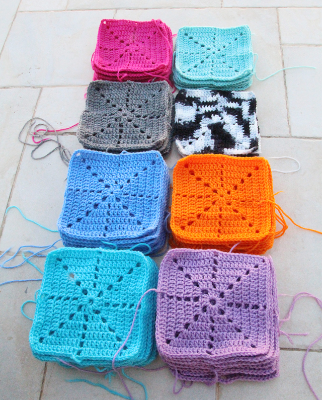 Crocheting Squares : Crochet Squares For blnaket