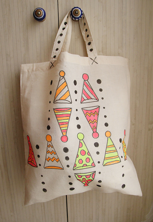 Canvas Tote bag with fabric marker clown hats