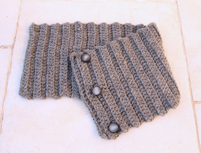 Crocheted ribbed Button Cowl