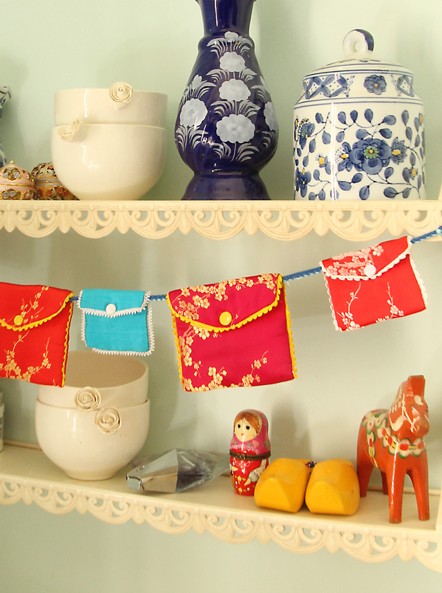 Chinese Jewelry Pouch Garland