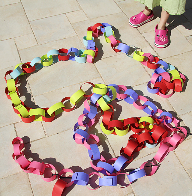 Succah giant paper chain