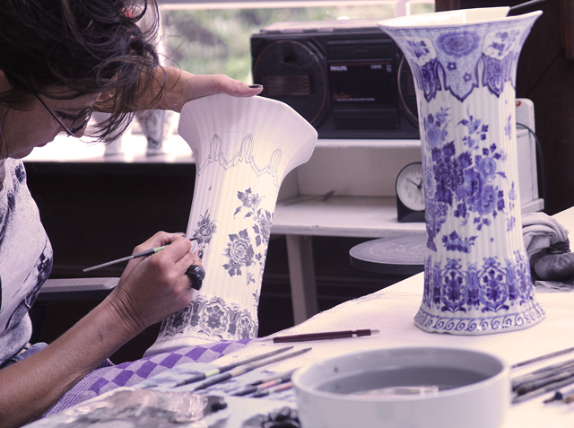 Delft Pottery Factory Painting pottery