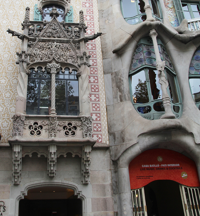 Barcelona passeig de gracia Casa Amattler Casa Batilo Side by side