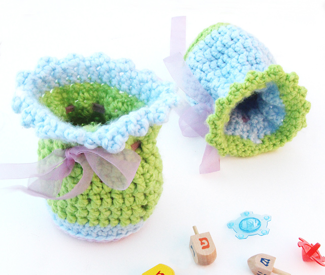 Crocheted Gift Pouches With Picot Trim