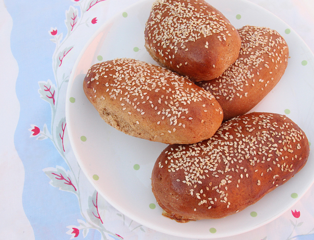 Spelt Oatmeal Rolls With Date Syrup