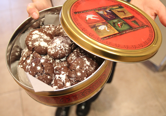 Chocolate crackle cookies in tin