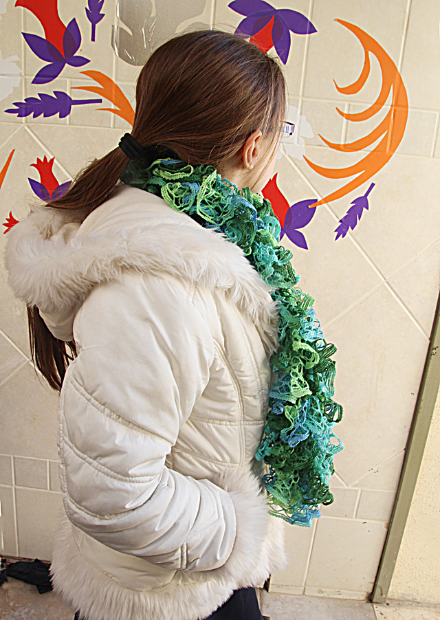 Knit Ruffled Scarf with mesh yarn with coat