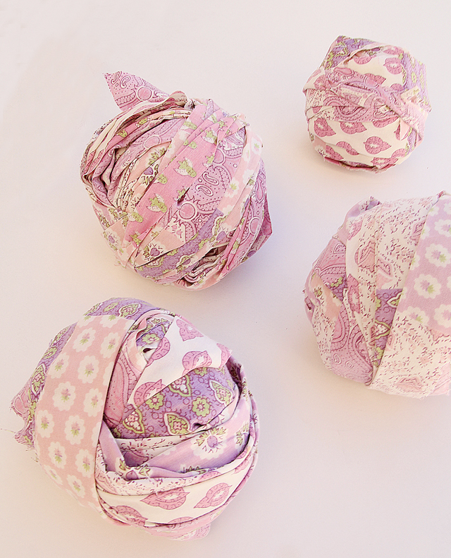 Rall balls yarn from sheets