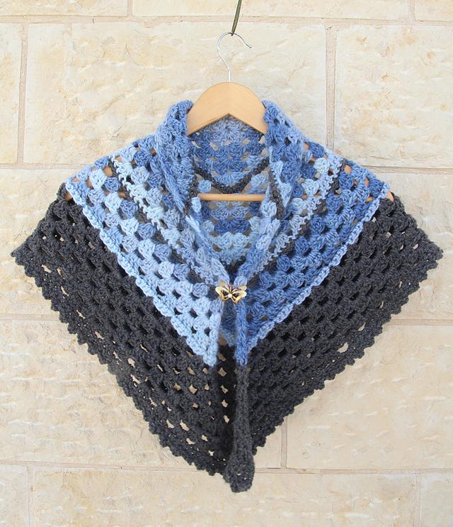 Crocheted Granny Triangular Shawlper Simple Creative