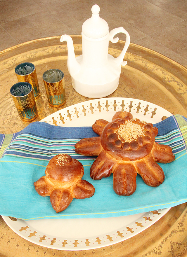 Challahs Shaped Like Flowers For Shavuos