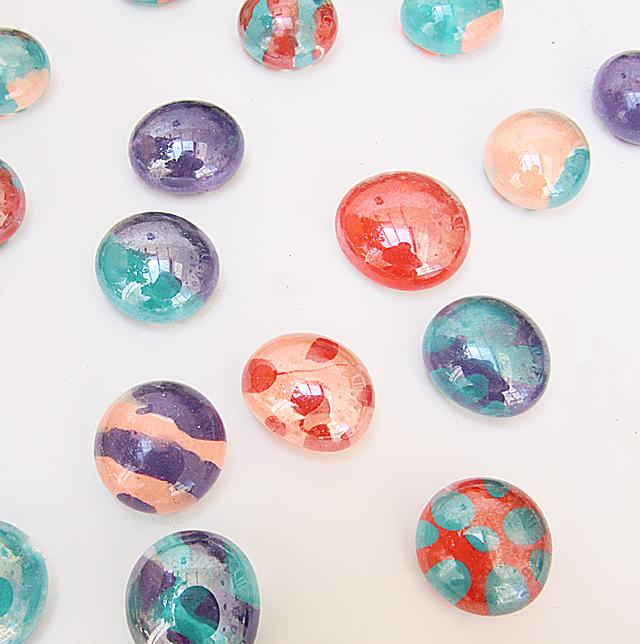 Fingernail polish craft with glass dots