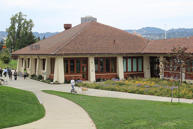 Lake Merrit Rowing House Restaurant