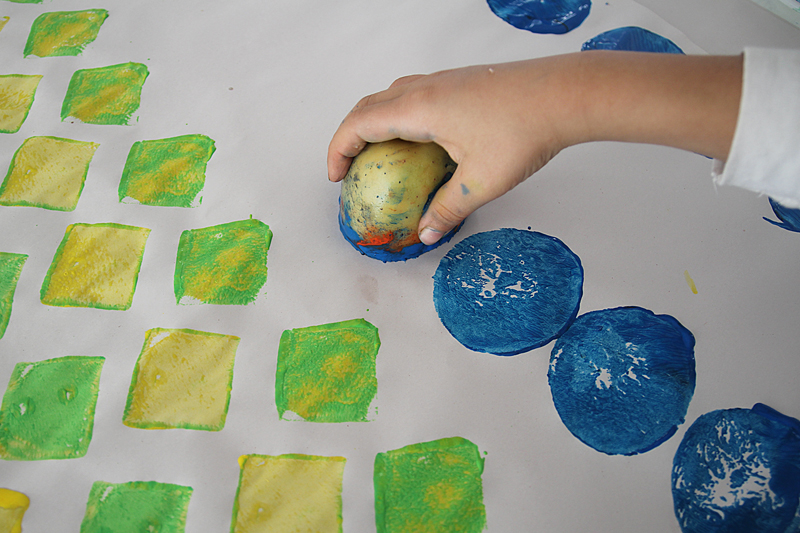 Potato Printed Wrapping Paper How To