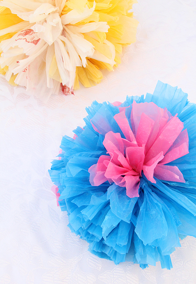 Gift Topper pom poms from plastic grocery bags