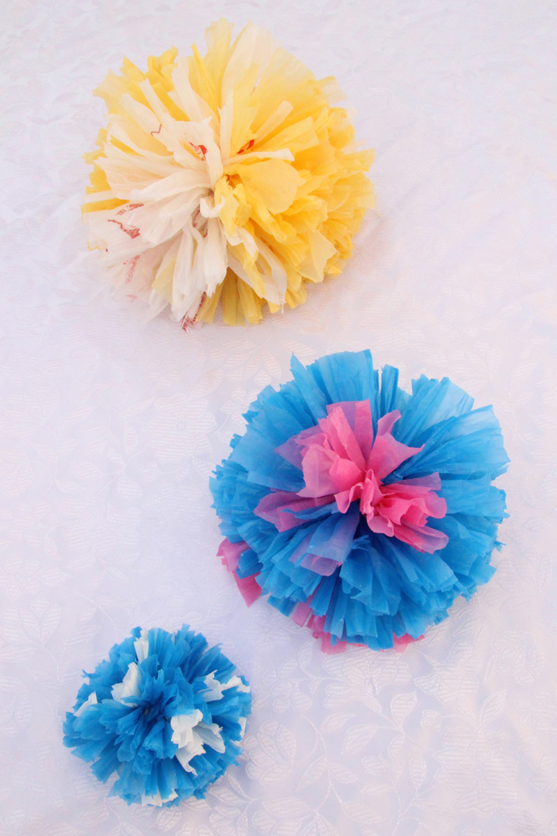 Gift topper pom pom from plastic bags, 3 sizes