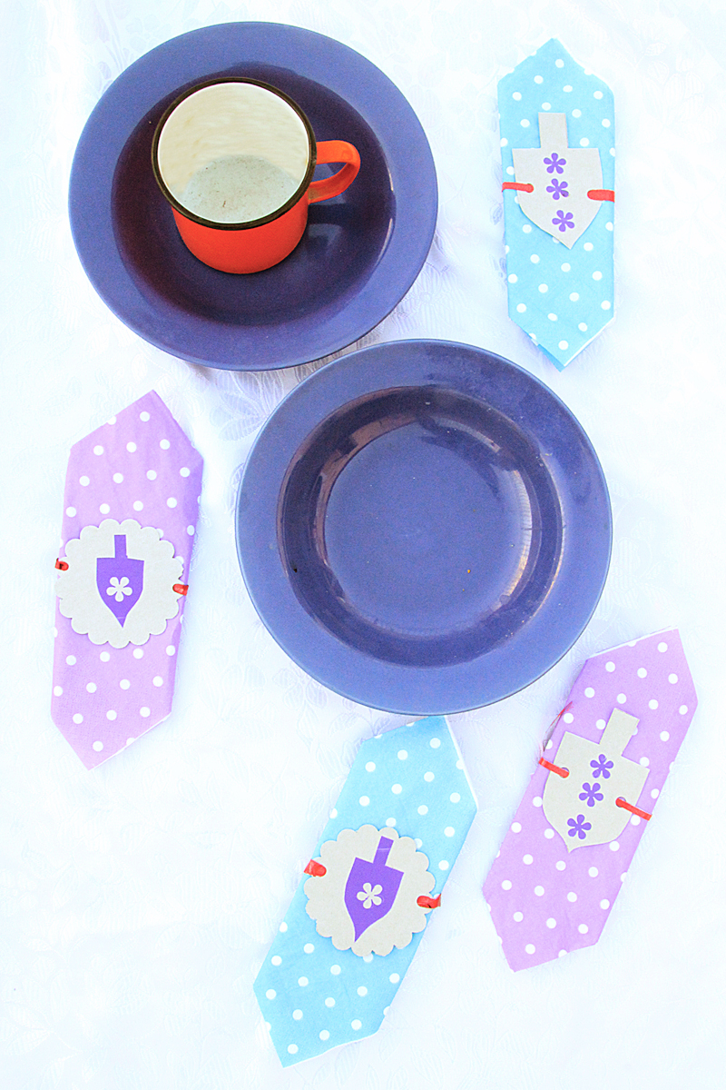 Chanukah Dreidel Napkin ring craft